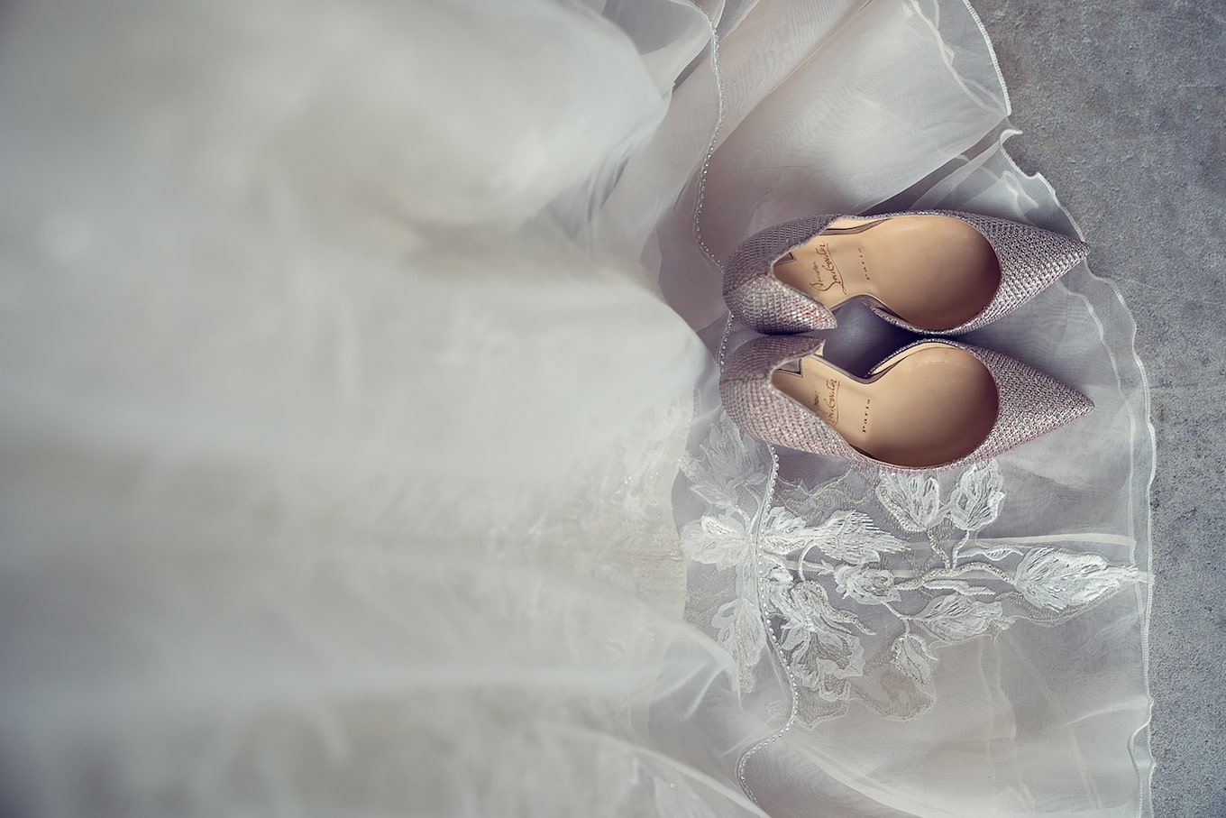kate-hopewell-smith-sony-alpha-9-brides-shoes-placed-on-wedding-dress