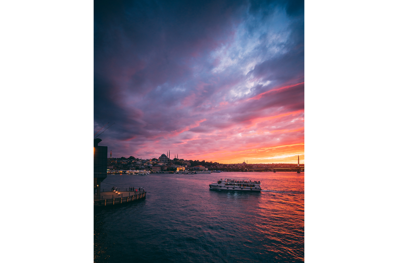ilkin-karacan-sony-alpha-7RII-sunset-over-the-harbour-as-a-ship-sails-across-the-water